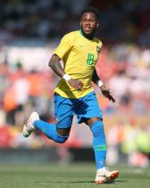 Fred misses out as Brazil fail to impress in Swiss draw