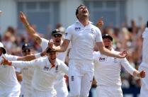 Ashes Set to Feature 'Football Style' Shirts
