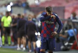Ex-Red Pique prepared to leave as Barca hit 'rock bottom'