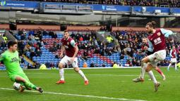 Burnley 4 Peterborough United 2